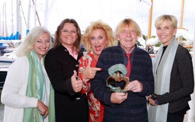 CosmoQueen Award